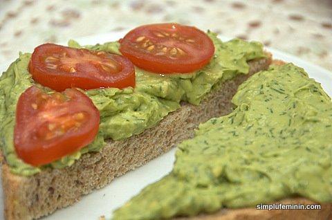 tartina cu avocado