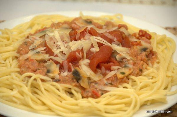 spagetti cu carne