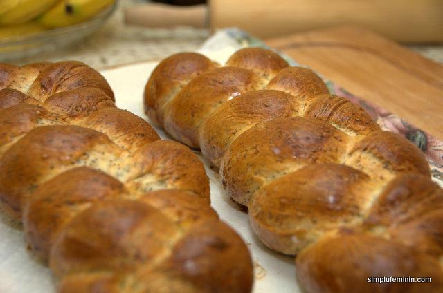 paine impletita cu mac si susan