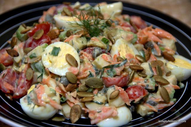 Salata sanatoasa cu oua de prepelita