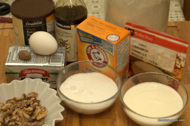 Briose (muffins) cu scortisoara si zer (buttermilk)
