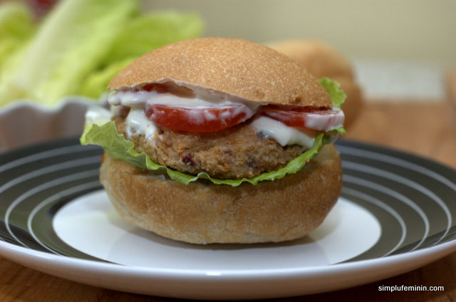 Hamburgeri vegetarieni, buni in cura de slabire
