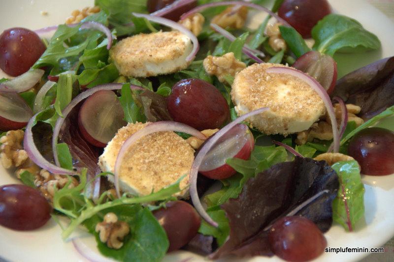 salata branza struguri nuca