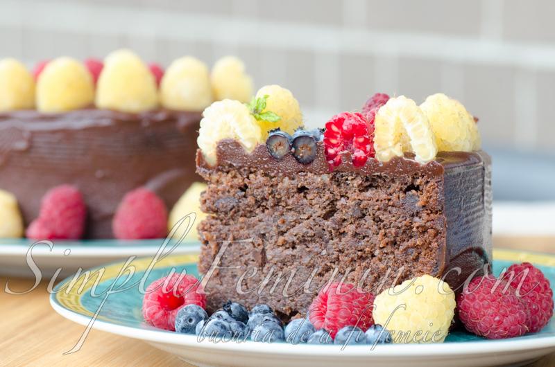 tort nuci ciocolata